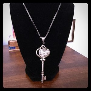 Jewelry - Silver Tone Necklace With BLING!